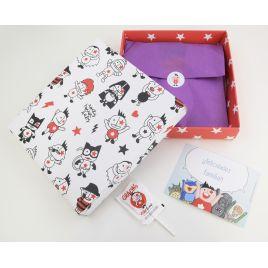 1 Caja regalo + 1 Postal + 1 Piruleta